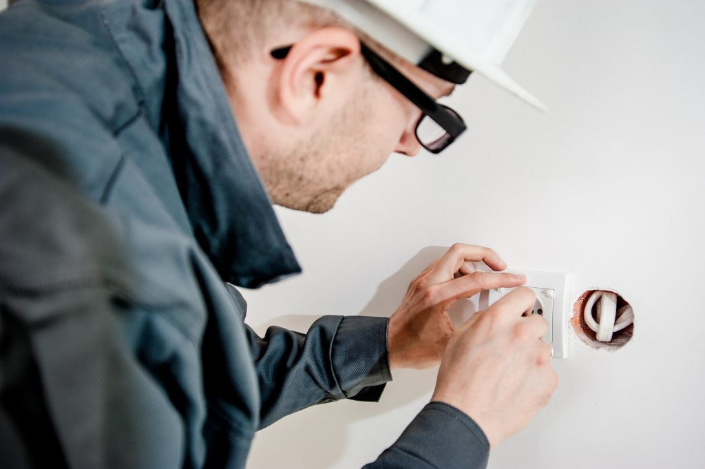 best trustworthy commercial electrician house calls