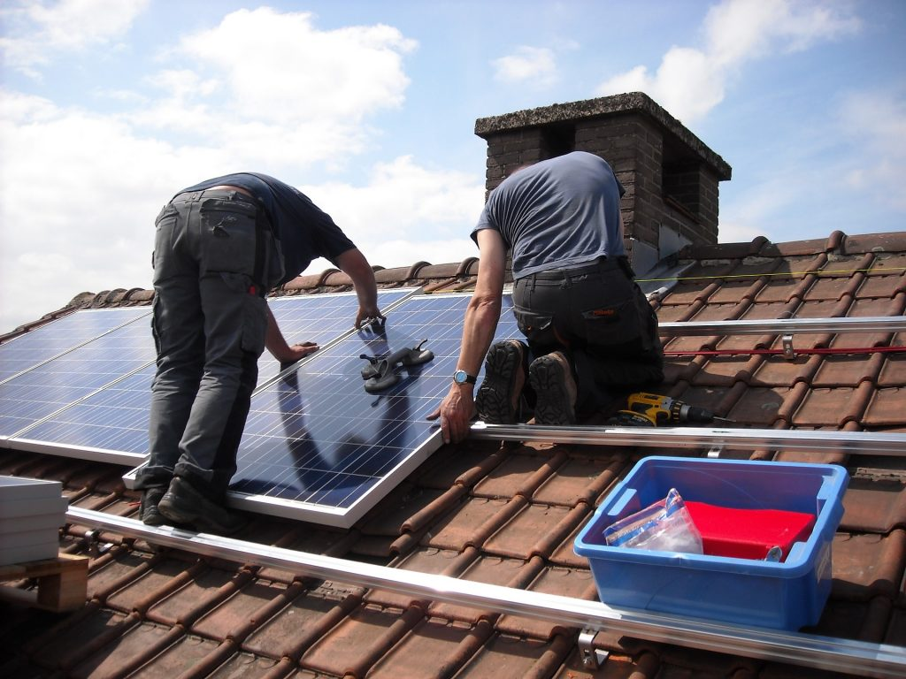 electrician quoting solar panel installation